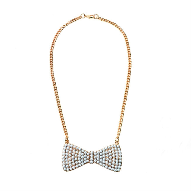 pearlbownecklace700gbp995euro.jpg