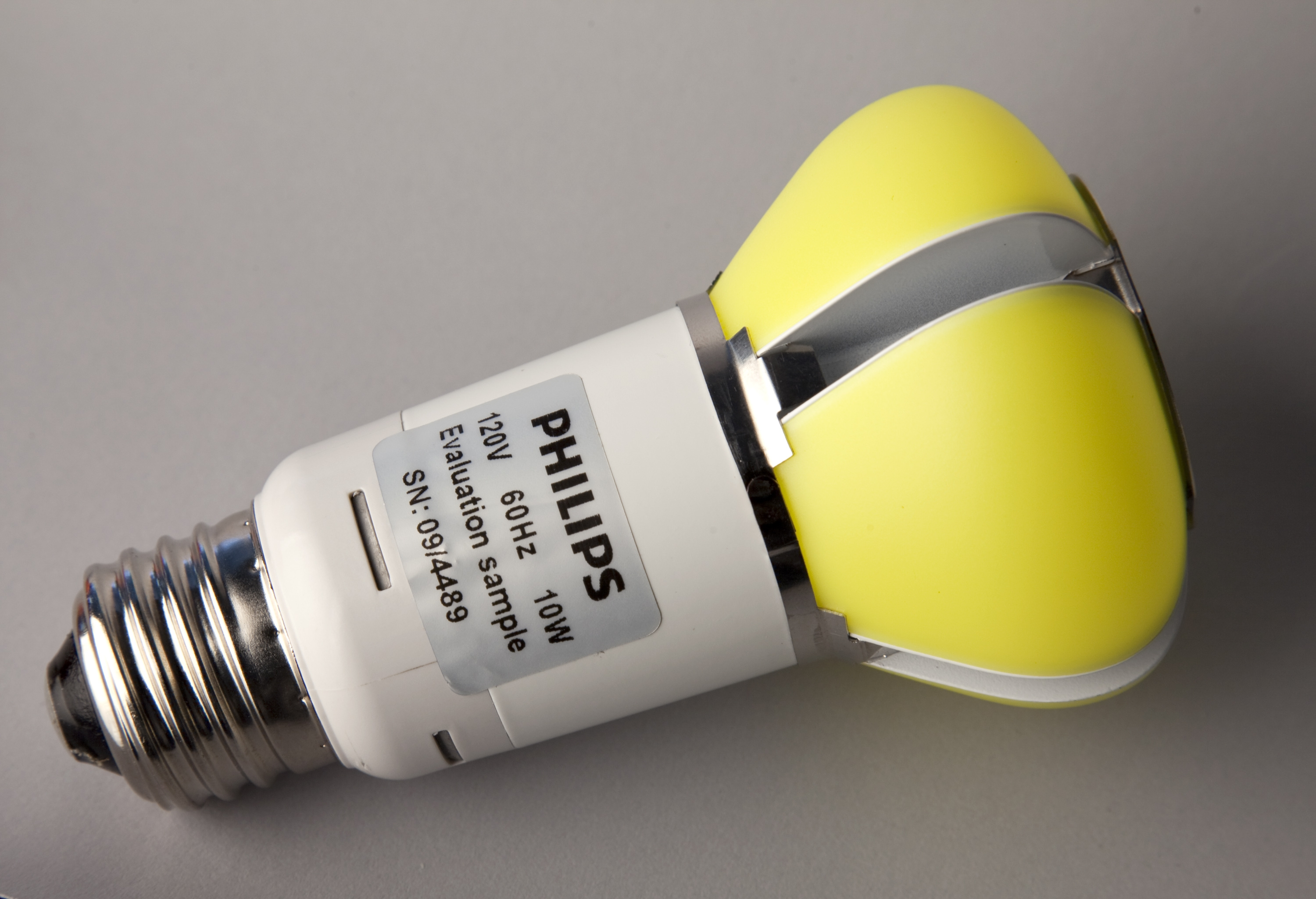 Philips-LED-bulb-L-Prize