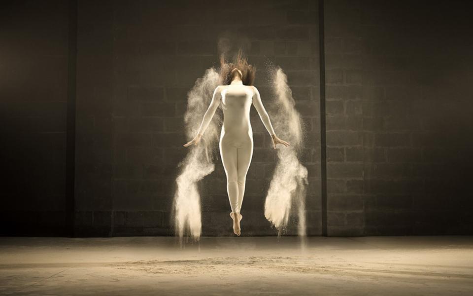 jeffrey-vanhoutte-dancers-powdered-milk-designboom-04