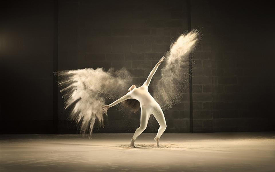 jeffrey-vanhoutte-dancers-powdered-milk-designboom-06