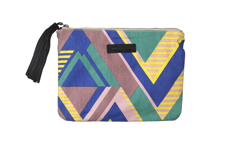 40202_o-claire_graphic_clutch_507