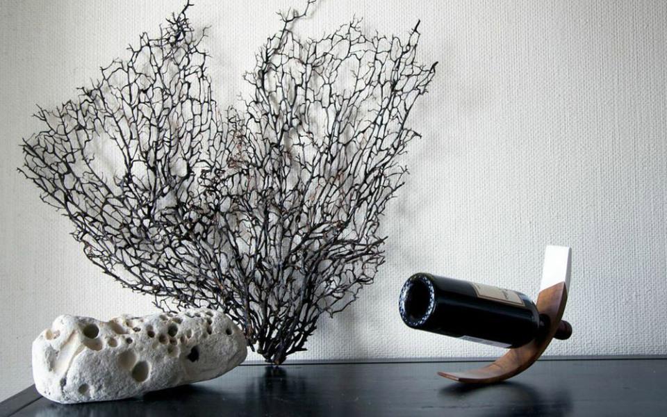 Rose-Fitzgerald-Wood-Wine-Stand-04-960x640