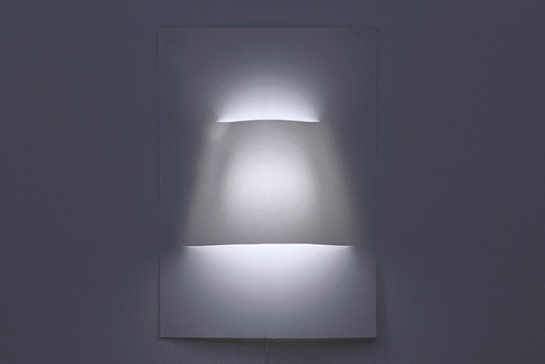 yoy-design-studio-creates-a-poster-lamp-from-a-single-sheet-of-paper-1