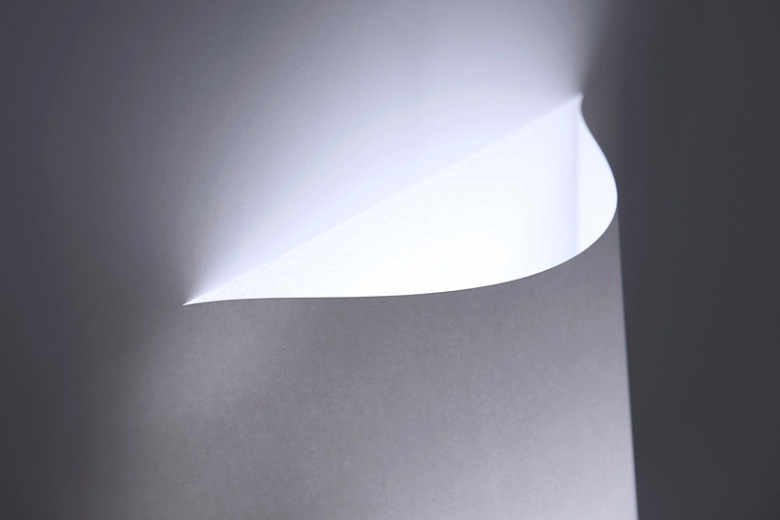 yoy-design-studio-creates-a-poster-lamp-from-a-single-sheet-of-paper-8