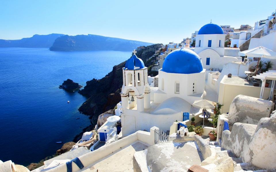 Santorini inspira la nueva línea de KORRES