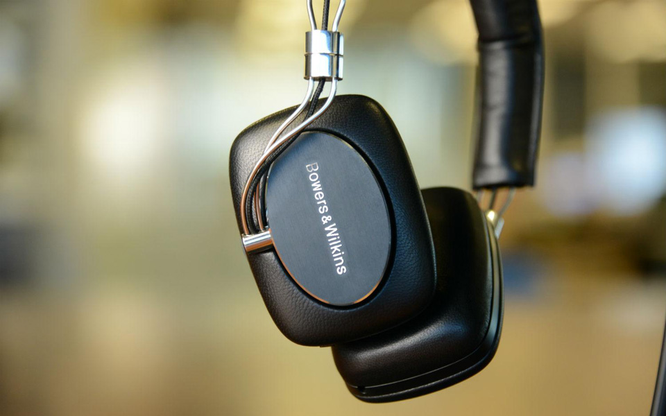 Bowers-Wilkins-P5-Wireless-41