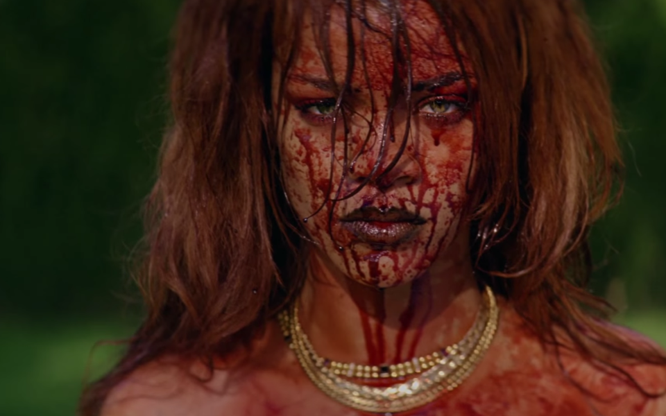 Sangre y vicio en el nuevo vídeo de Rihanna #BBHMM