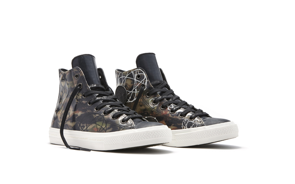 Converse_Chuck_Taylor_All_Star_II_Futura_-_High_Top_Side_33951