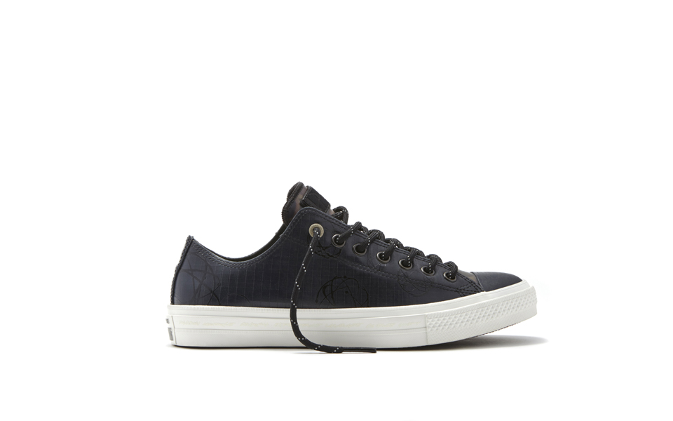 Converse_Chuck_Taylor_All_Star_II_Futura_-_Low_Top_Right_33962