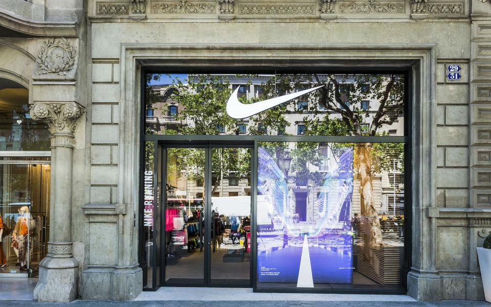 equilibrado lana por ejemplo  Nike inaugura nueva tienda en Paseo de Gracia - Good2b lifestyle Barcelona  & Madrid
