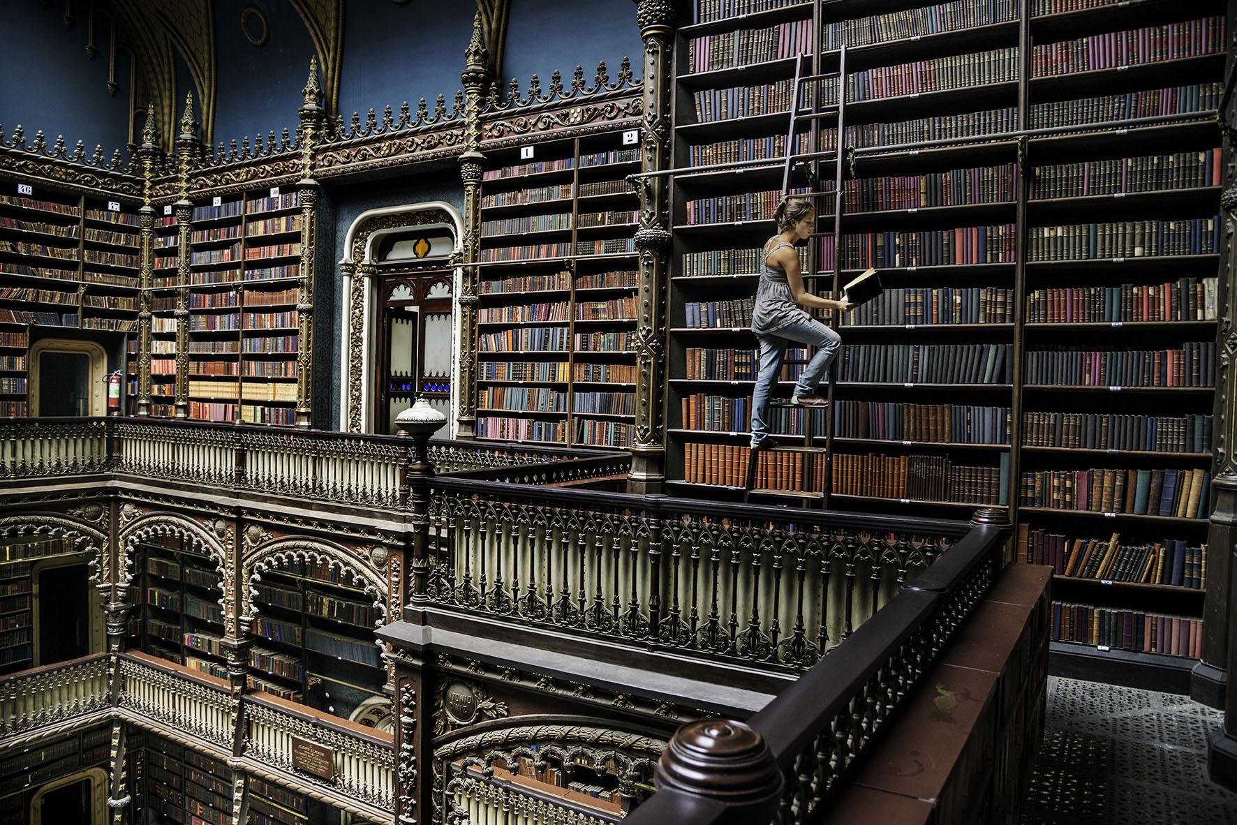 El acto de leer fotografiado en el libro 'Steve McCurry: Sobre la lectura'