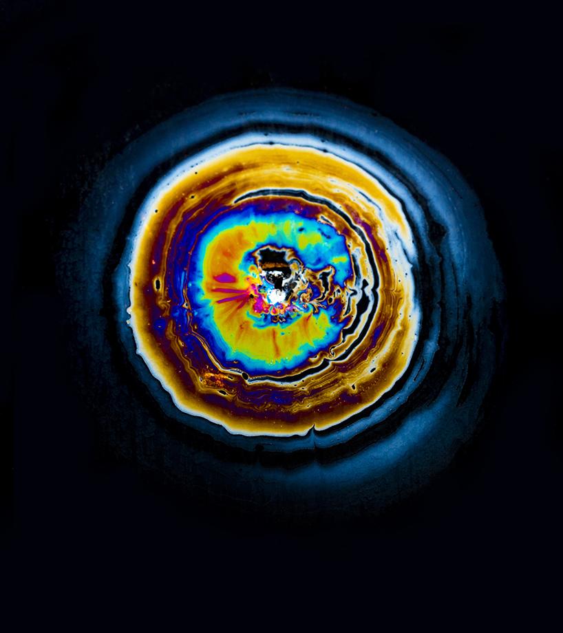 fabian-oefner-oil-spill-designboom-05