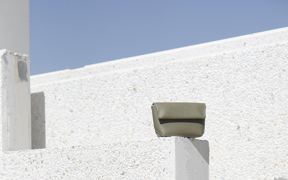 Iala Díez: tradición marroquinera minimalista, de Valladolid para el mundo
