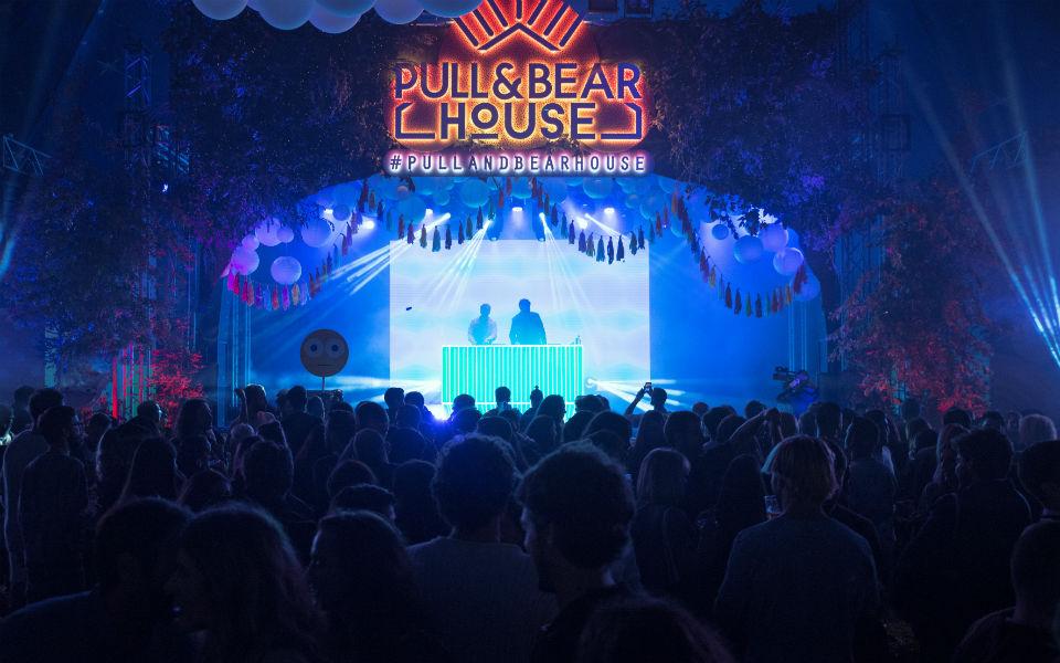 pullandbearhouse_-13