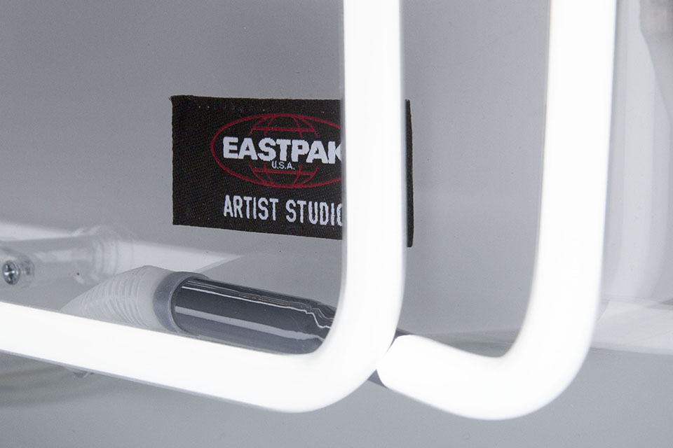 east_neon_04