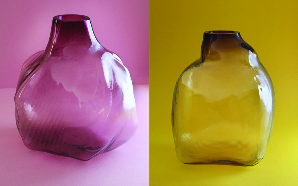 '105 ltr Formen' o cómo Fabio Vogel crea jarrones con fuego, tela y vidrio