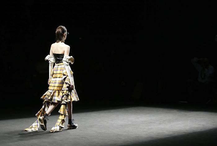 Anel Yaos FW17 | o8o Barcelona Fashion