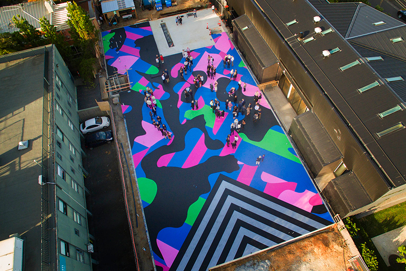 reko-rennie-mural-visibile-invisible-lyon-housemuseum-designboom-03