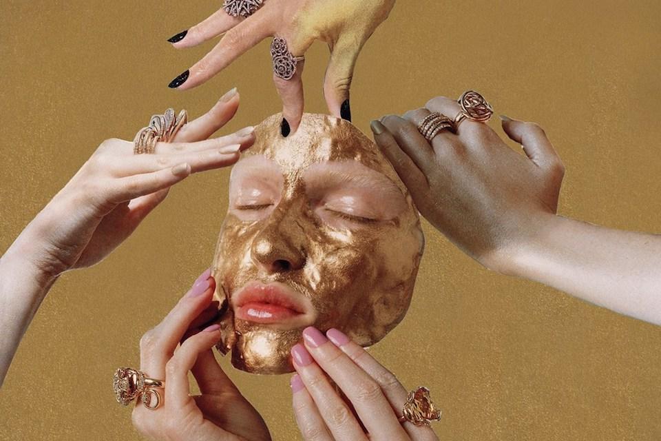Louise Parker, la modelo fotógrafa que cuestiona su industria mediante el arte