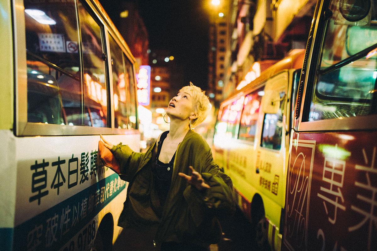 Humo y tráfico, el vivido Hong Kong de André Josselin