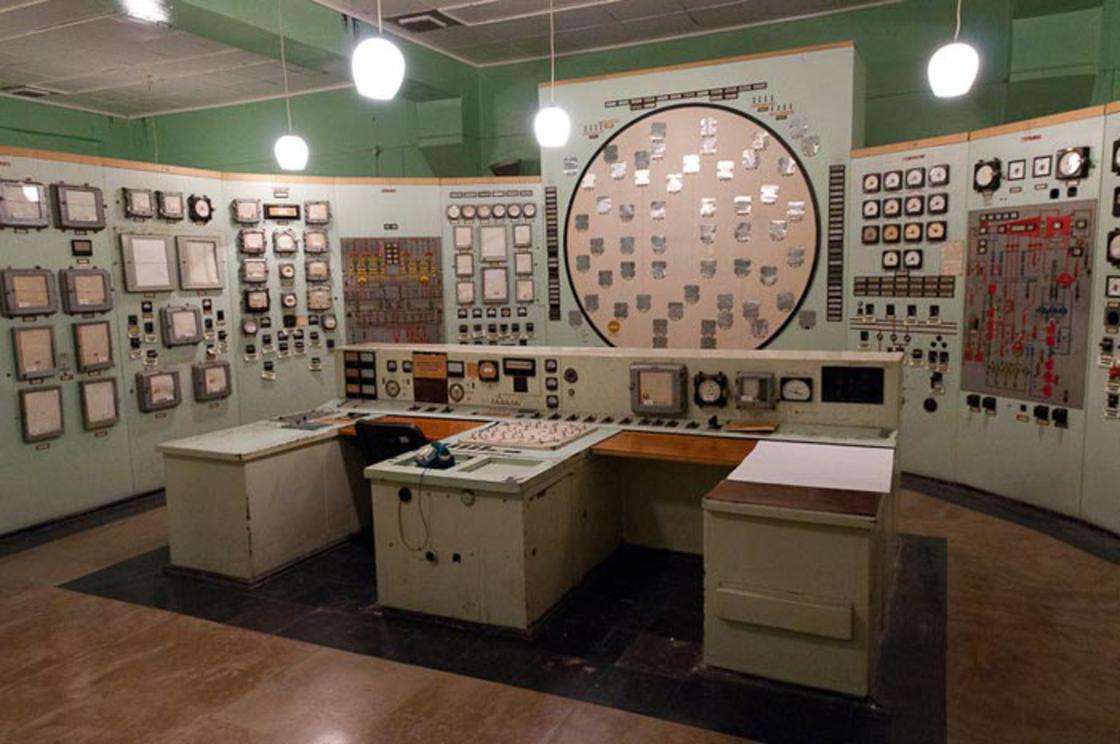 coltrol_room_soviet_11