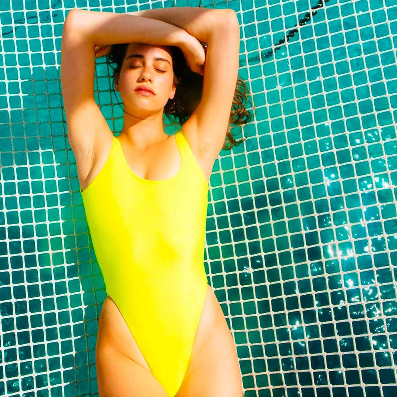 american-apparel-swimwear-malibu-lookbook-1