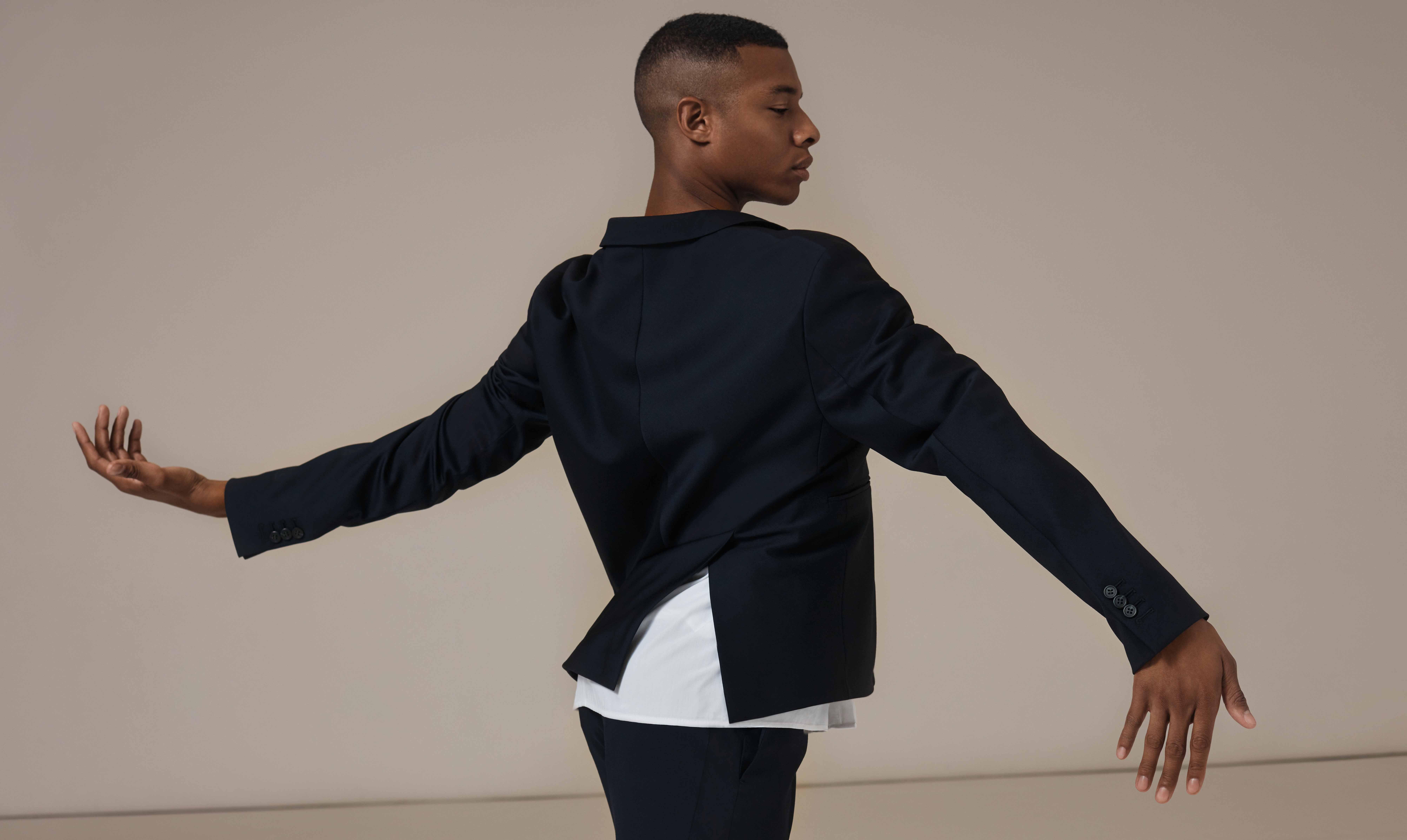COS presenta Soma, la colección cápsula coreografiada por Wayne McGregor