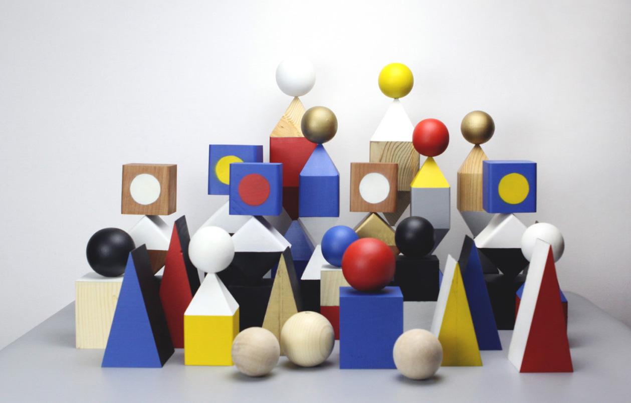 'Objekts', las esculturas geométricas de madera de Steven Scicluna