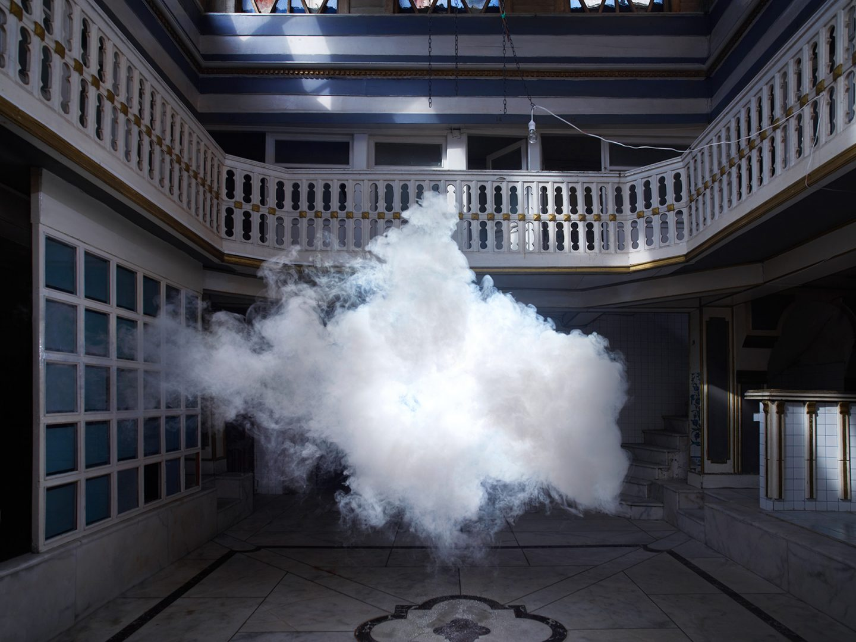 Berndnaut Smilde: el artista capaz de crear nubes
