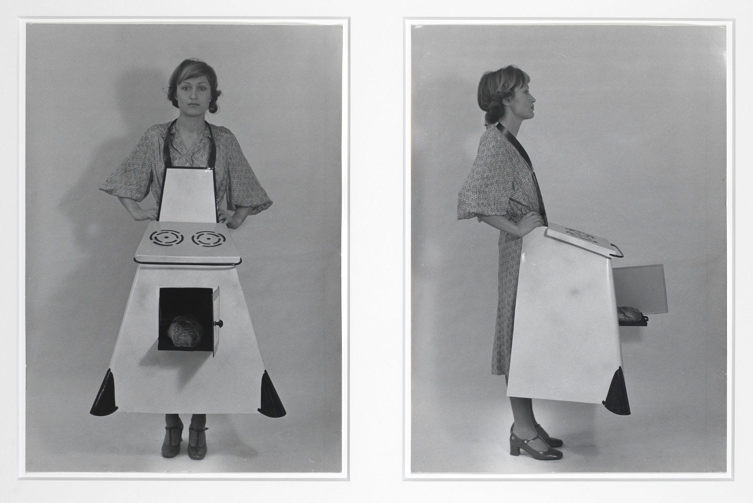 brigit-jurgenssen_hausfrauen-kuchenschurze-housewives-kitchen-apron_1975_aware_womenartists_artistesfemmes-1500x1003
