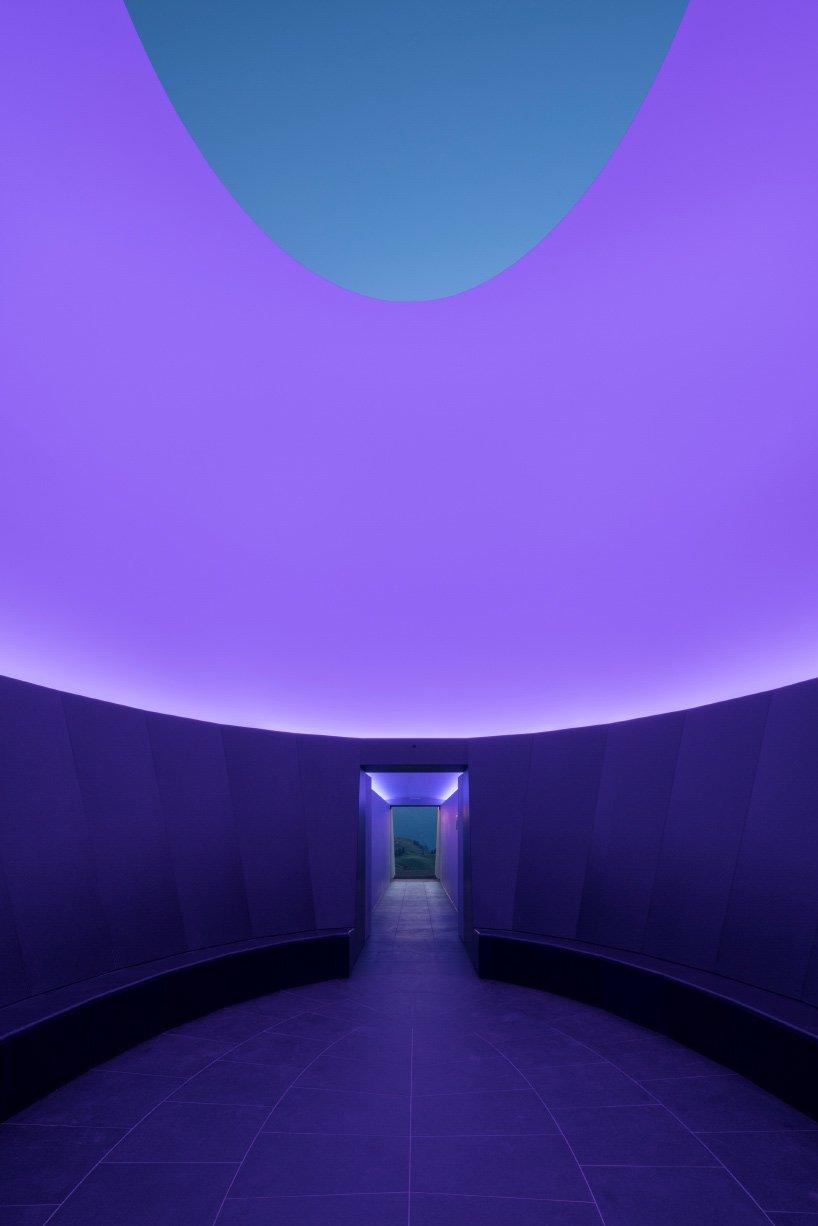 james-turrell-skyspace-lech-austria-designboom-03
