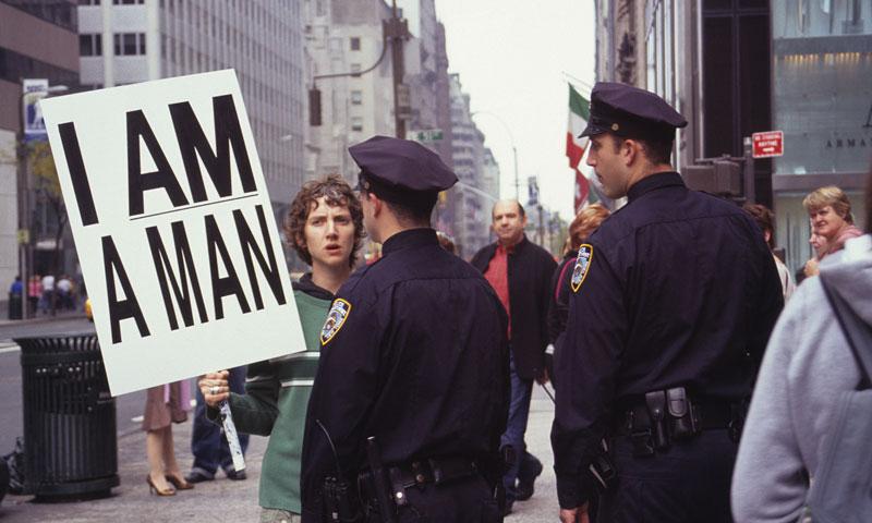 Tomar las calles. Primera retrospectiva de Sharon Hayes en el Moderna Museet