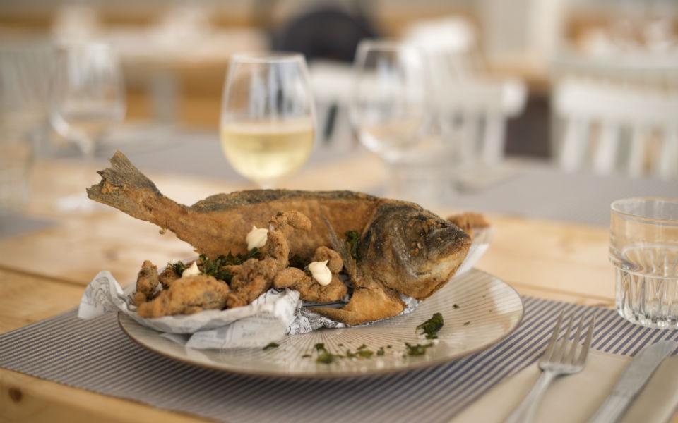 El Mirador, platos marineros con vistas en La Daurada Beach Club