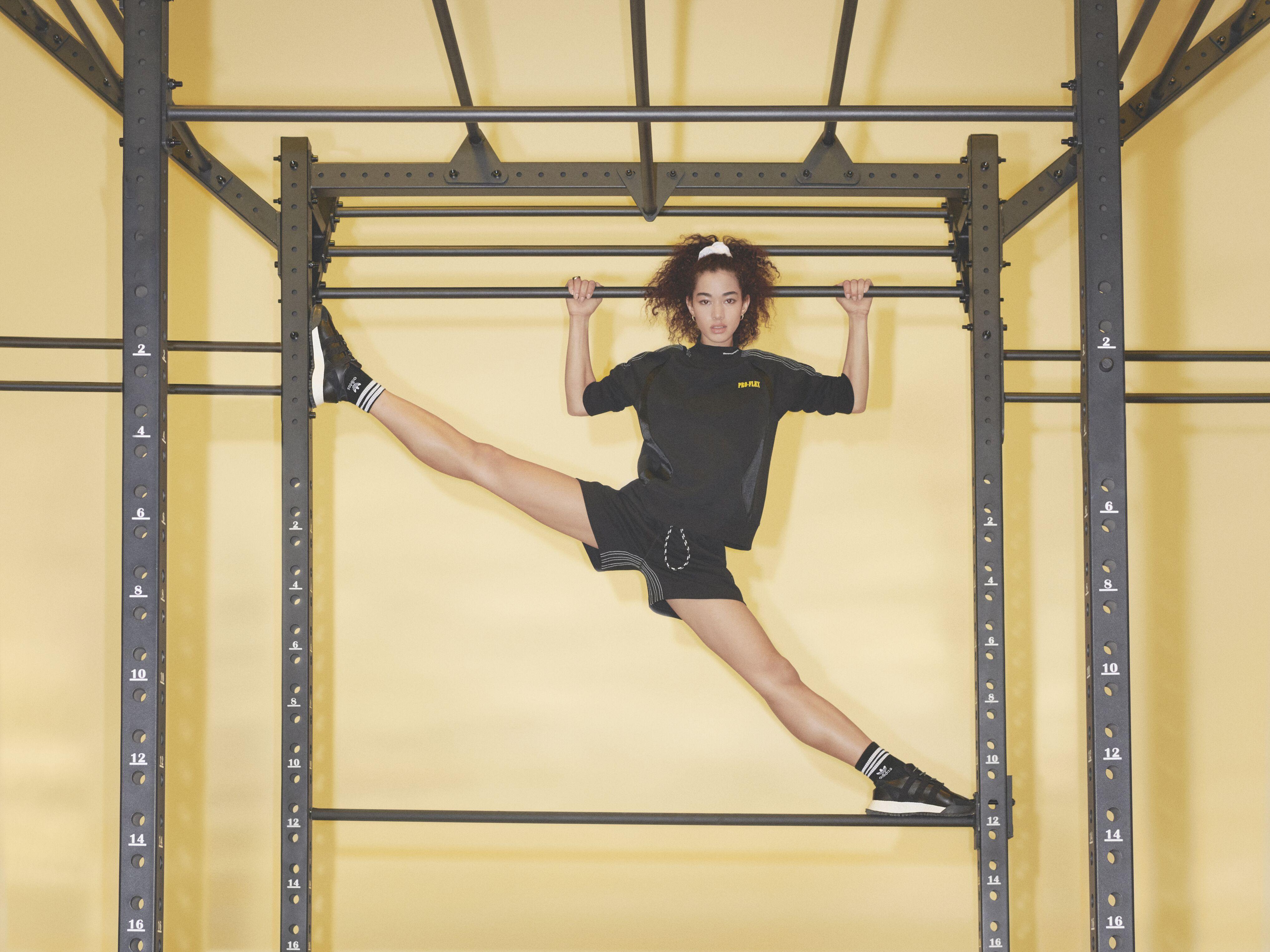 Fitness athleisure con estética retro en Adidas x Alexander Wang