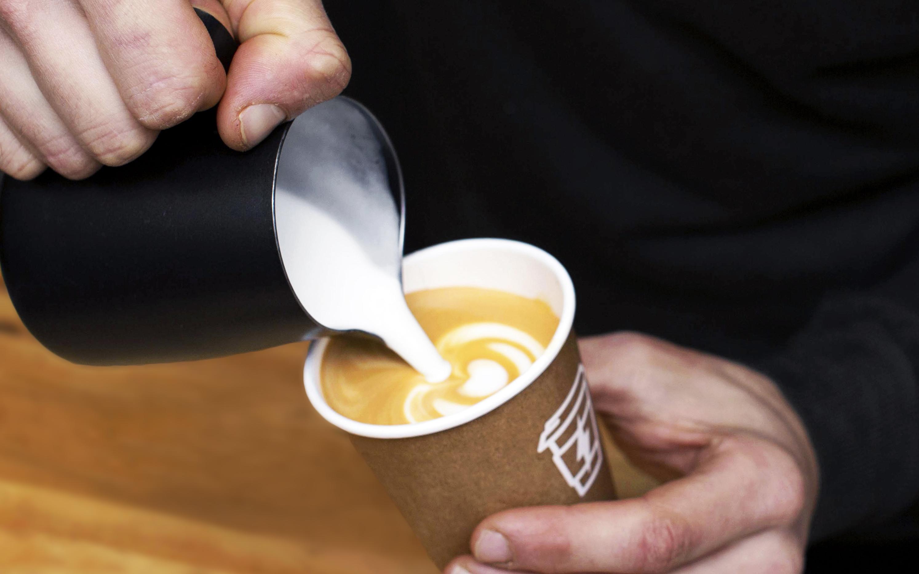 Syra Coffee llega a Poblenou por la puerta grande