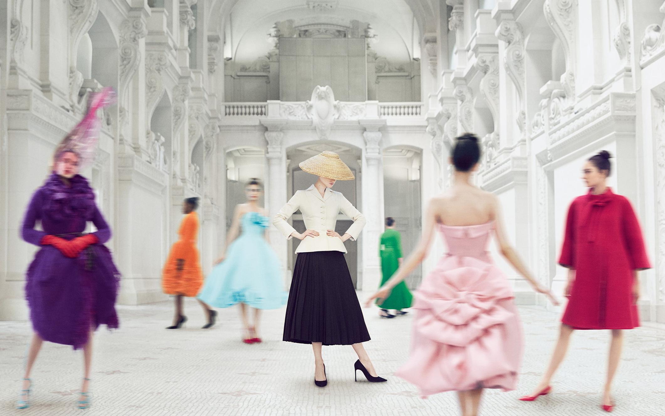Ya puedes descubrir desde casa la exposición de Dior más aclamada, 'Designer of Dreams'