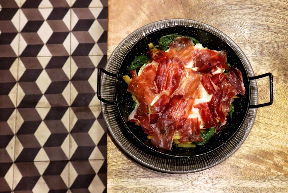 La Charca Taberna, donde Madrid y Asturias comen en la misma mesa
